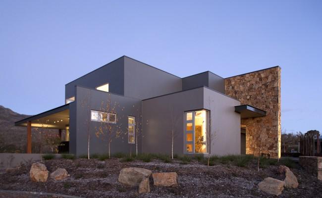 Krevatin 'Canberra' House 2